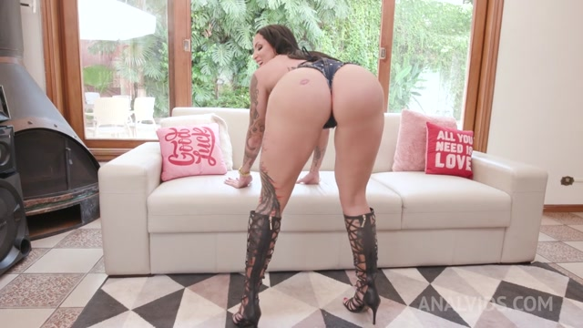 LegalPorno_presents_Busty_brazilian_piss_drinking_Elisa_Sanches_gets_hardcore_anal_fucking_with_DP__DAP_and_Fisting_YE068___20.02.2021.mp4.00000.jpg